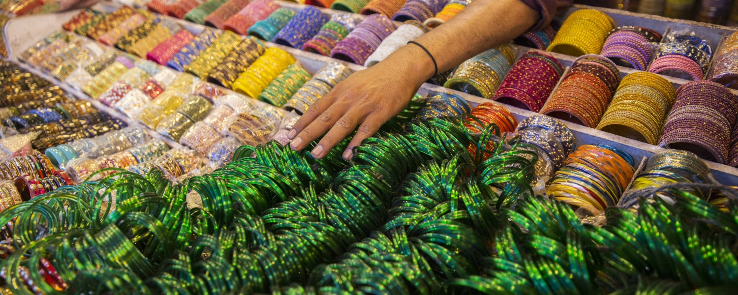 <p>Delight in the colours of everyday India.</p>