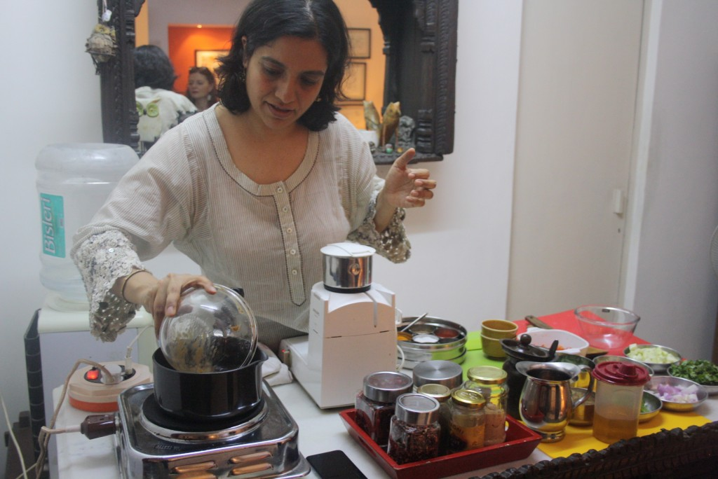 Learning the real secrets behind Indian pickles - a cooking class in a family home