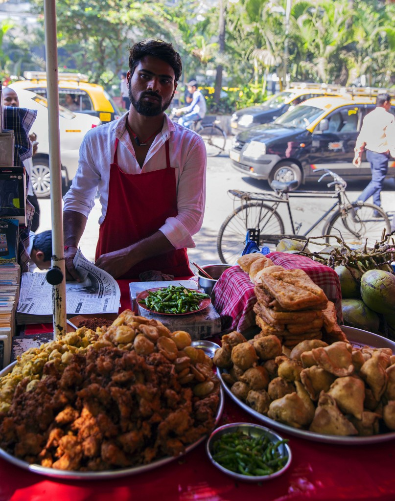 Onion, Potato,Chilli Pakora, Samosa, Wada seller