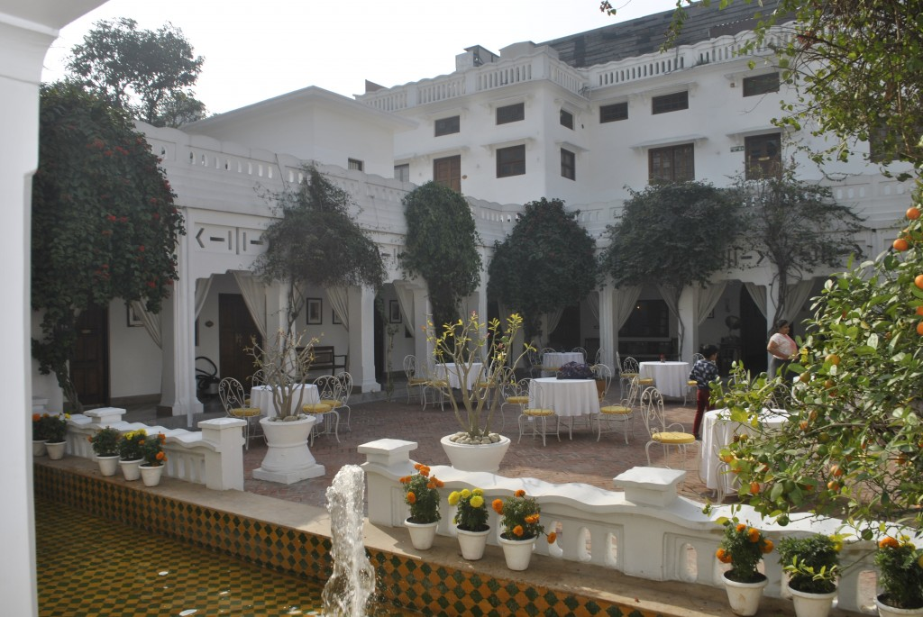 Lucknow Hotel