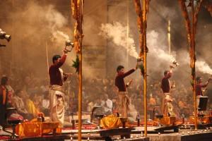 12_Varanasi_Aarti-1024x682